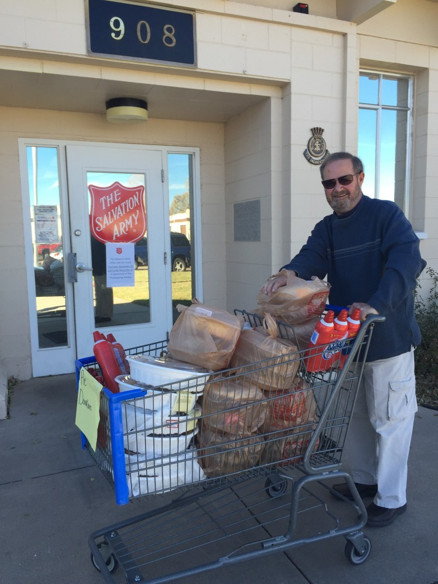 STS Community Support - Dave donating food